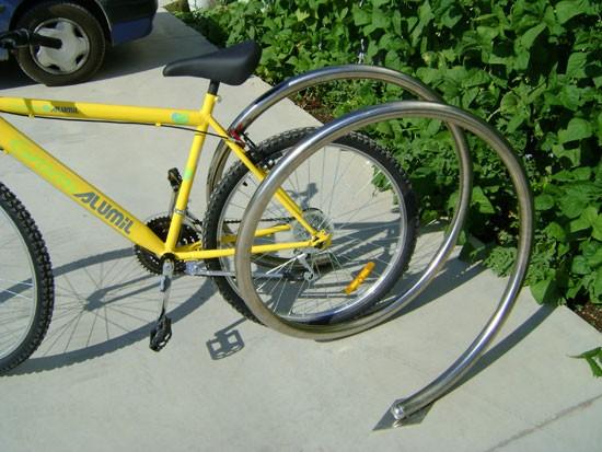 Μπάρα στάθμευσης ποδηλάτων σπιράλ INOX