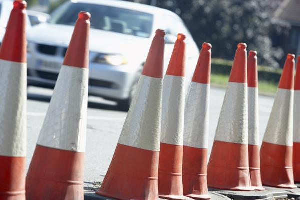 Οι κώνοι κυκλοφορίας βοηθούν στην οδική ασφάλεια
